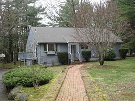 112 Wood Cove Dr, Coventry, Ri 02816
