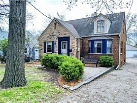 Nestled in The Historic 7 Acre Plat of Chautaqua Park on The No
