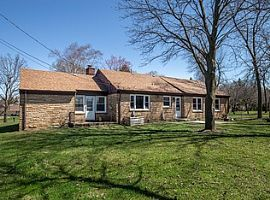 8519 N Fox Croft Ln Fox Point, Wi 53217