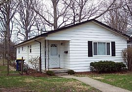 6108 Broadway St, Indianapolis, in 46220