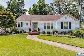 Charming Updated 4/2 Cottage in Homewood