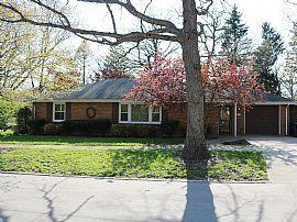 754 Oak Ave, Lake Bluff, IL 60044