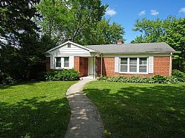 93 Blackhawk Rd, Highland Park, IL 60035