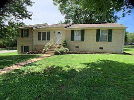 301 Ash Grove Dr, Nashville, Tn 37211