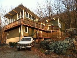 553 Shannondale Rd, Harpers Ferry, Wv 25425