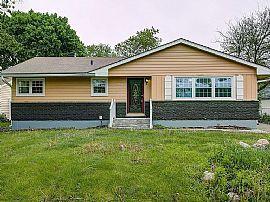 37257 N Hillside Dr, Lake Villa, IL 60046