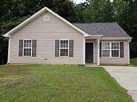 5618 Stone Bluff Ct, Charlotte, NC 28214