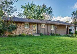 1052 Ramsdell Dr, Apple Valley, Mn 55124