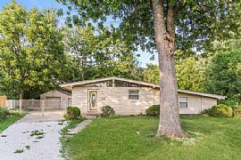 Beautiful Home 2064 Mac Ct, Indianapolis, In, 46203