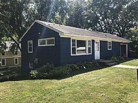 703 Myrtle St W, Stillwater, Mn 55082