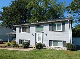 12503 Roth Hill Dr, Maryland Heights, Mo 63043