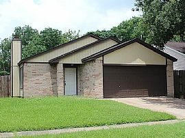 7527 Pepperbrook Dr, Houston, TX 77041