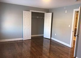 Apartment For Rent 3 Bedrooms and 2 Ba