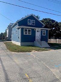 104 Mason Ave, Portsmouth, RI 02871