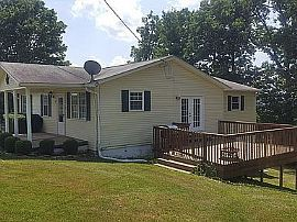 165 Carmellia St, Mount Hope, Wv 25880