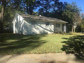 573 Mcdermitt Rd, Memphis, TN 38120