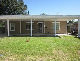 1709 Pinky Way, Houston, Tx 77015 For $700/m Deposit $700