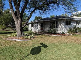 Awesome 3 Bedroom 2.5 Bath Ranch Home For Rent!! Close to Every