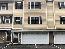 6 Sheffield Dr, Dover, Nh 03820