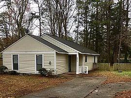 6016 Woodthrush Dr, Charlotte, NC 28227