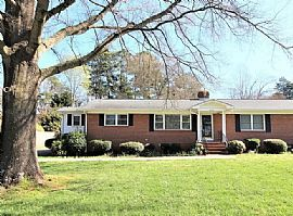 2116 Oakdale Rd, Charlotte, Nc 28216 Rent $500 and DEP $500
