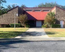 4342 Great Oak Dr, North Charleston, SC 29418