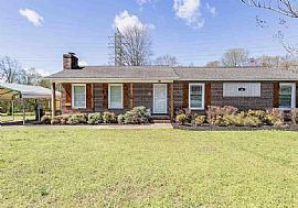 16 Penarth Dr, Greenville, Sc 29617 The Rent Is $400