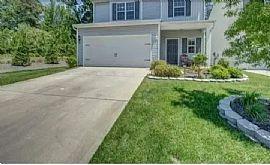 8240 Paw Valley Ln, Charlotte, Nc 28214. ReNT $700
