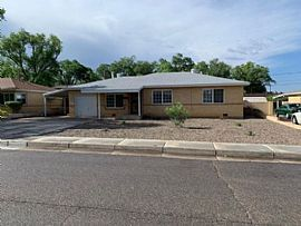 7706 Euclid Ave Ne, Albuquerque, NM 87110