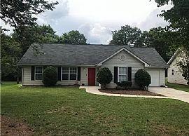 1636 Ranch Rd, Charlotte, NC 28208