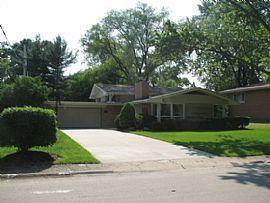 3 Beds 819 Tulip Ln, Naperville, IL 60540