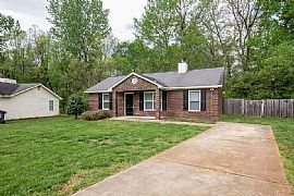 1113 Capps Hollow Dr, Charlotte, NC 28216