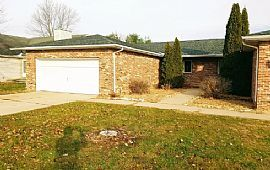 625 Oakbrook Ave, Chatham, Il 62629