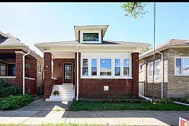 5821 W Berenice Ave, Chicago, IL 60634