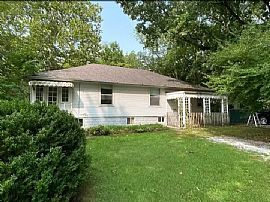 1312 W Sycamore St, Carbondale, Il 62901, Rent Is $800