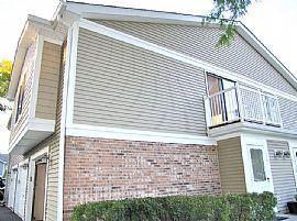 1101 Eisenhower Ct, Vernon Hills, IL 60061