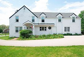 House For Vacation: 8 Middlebury Ln, Lincolnshire, IL 60069