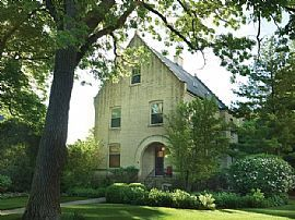 Make This Peaceful Home Your Dwelling Mansion! 76 Logan Loop, H