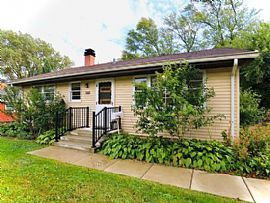 423 Lawrence Ave, Grayslake, Il 60030 Contact/me 2078081547
