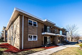 2 Bedroom at 15210-14 Chicago St Dolton, Il 60419