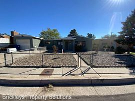 7504 Cutler Ave Ne, Albuquerque, NM 87110
