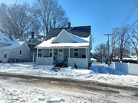107 S Birch St, Urbana, Il 61801 Rent $600 and Dep $600