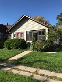 915 3rd St, Brookings, Sd 57006