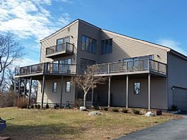 151 Summit Ave, South Kingstown, RI 02879
