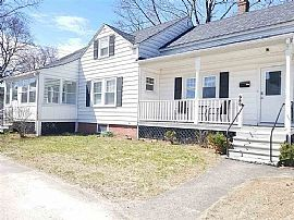 989 Union St, Manchester, Nh 03104