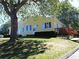 15 Meadowview Ter, Westerly, RI 02891