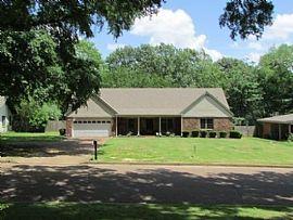 1716 Oak Hill Rd, Memphis, TN 38138