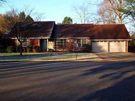 311 Dorchester Dr, Bowling Green, KY 42103