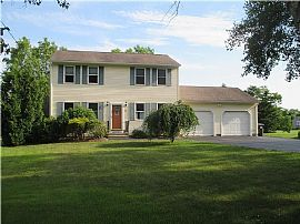 932 Saugatucket Rd, South Kingstown, RI 02879