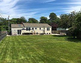 Nice 4 Bedroom House. 79 Annandale Rd, Newport, RI 02840